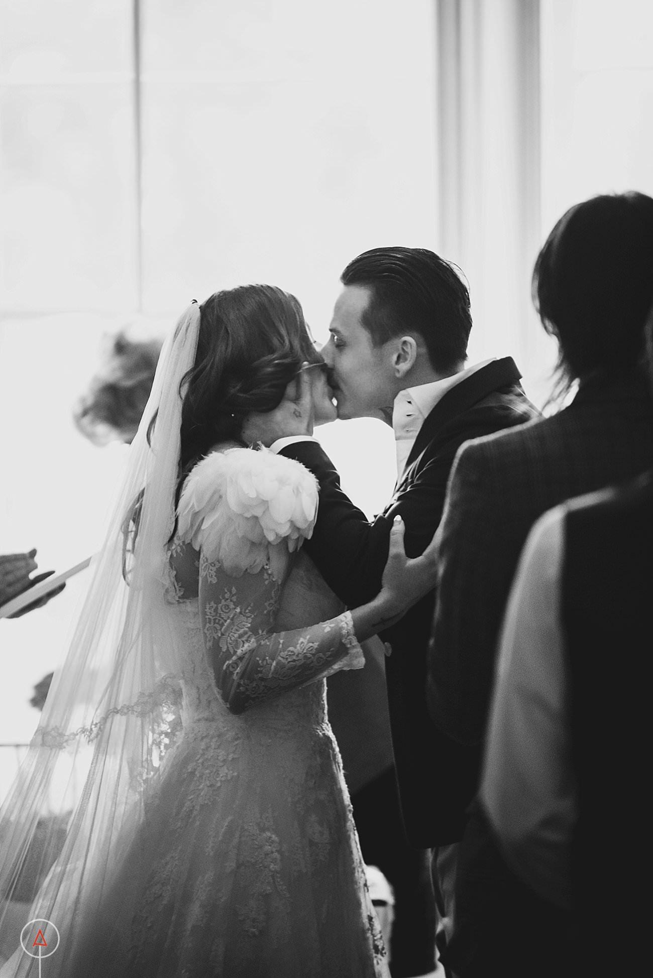 fonmon-castle-wedding-photographer-Cardiff_0156
