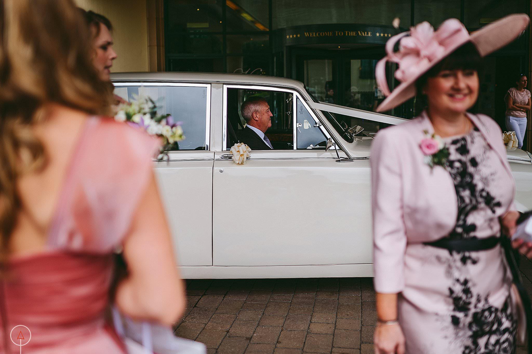 st-donats-llantwit-major-wedding-photography_0019
