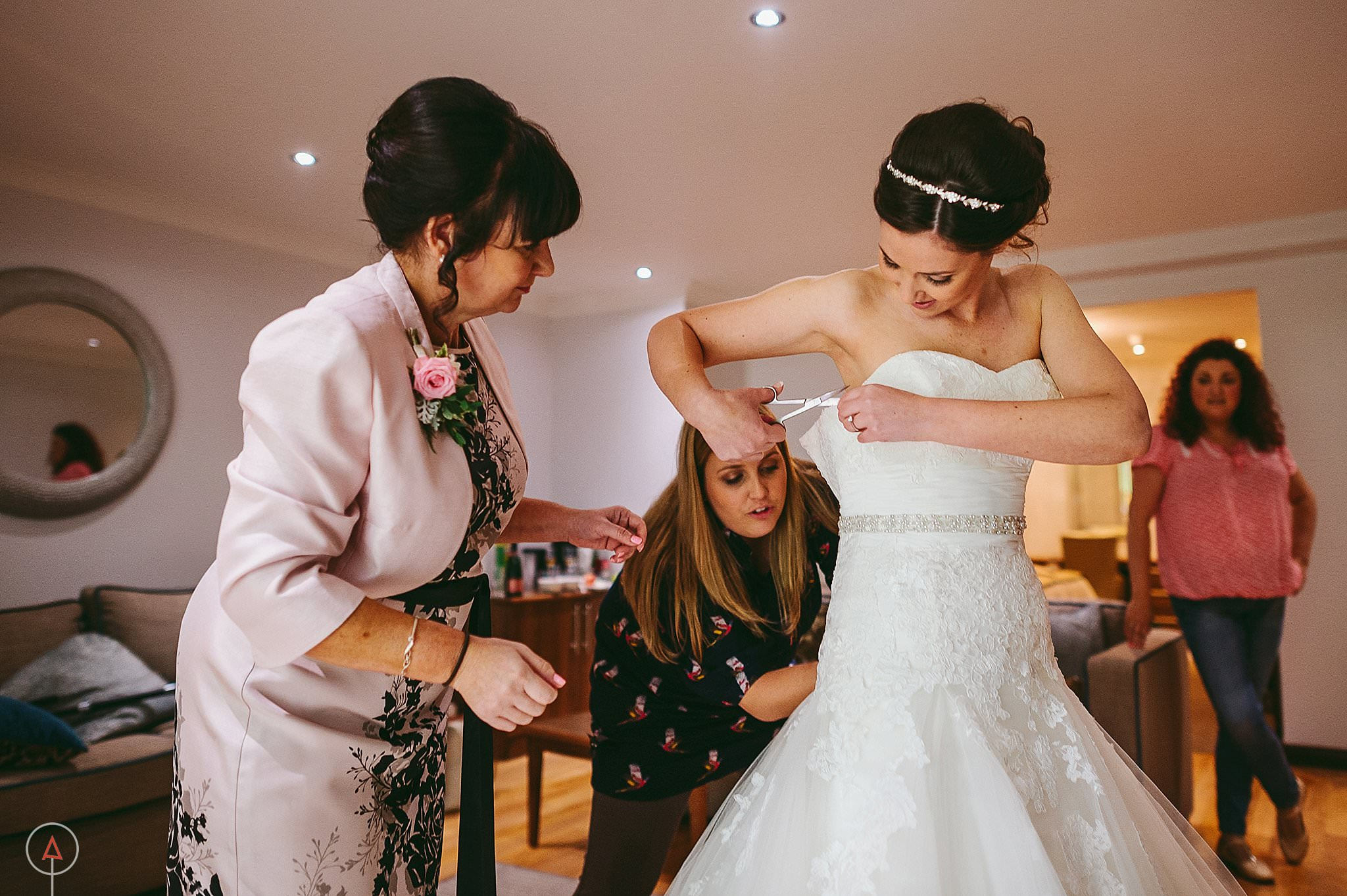st-donats-llantwit-major-wedding-photography_0132